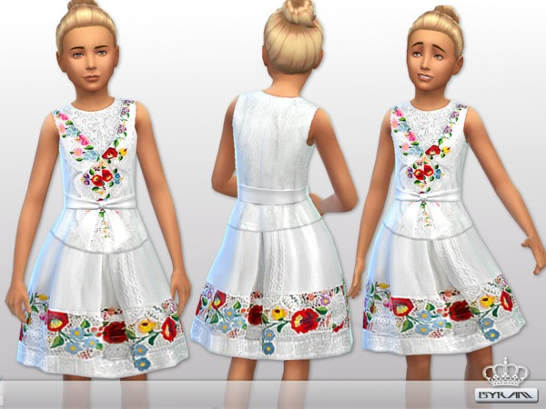 Floral embroidered dress [little girl] by EsyraM