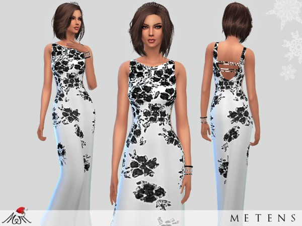 Whispers - Gown by Metens