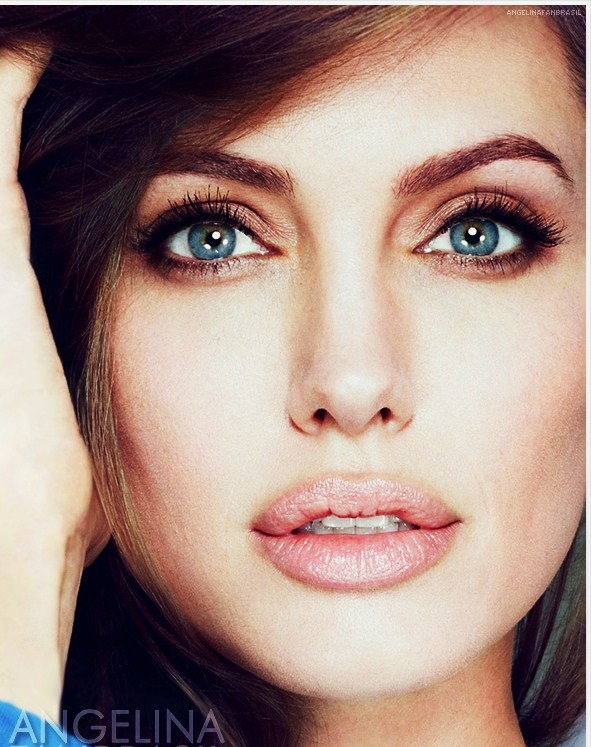 Eyes Angelina Jolie by Anarchy-Cat
