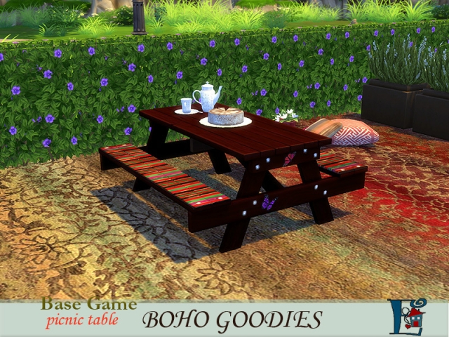 Boho picnic table by evi