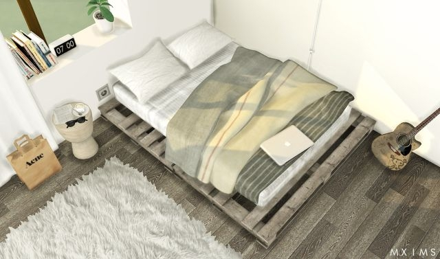 Pallet Floor Bed, Blanket and Pillows by MXIMS